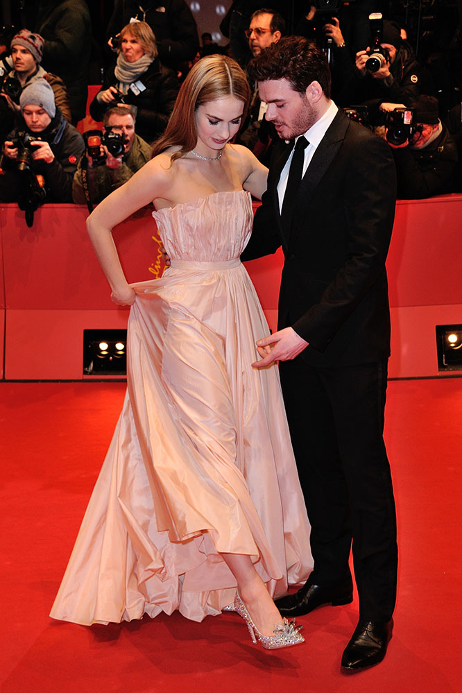 Lily James is the new Cinderella - QUOTIDIANOMIME
