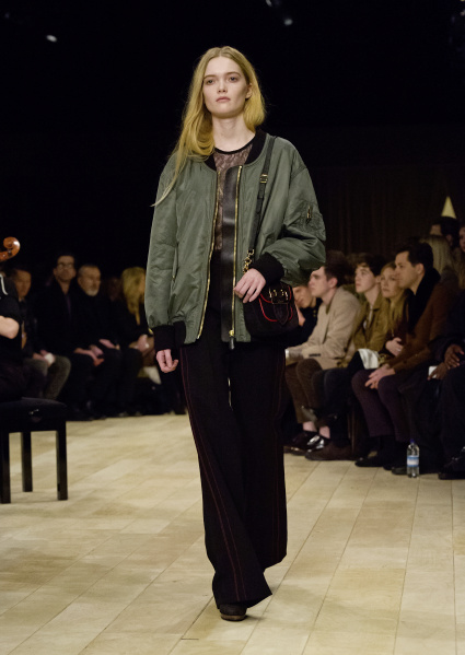 Burberry Womenswear Pre-Collection - Look 16