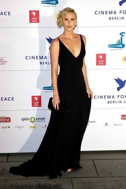 Charlize Theron in Dior al Cinema for Peace Gala, Berlin