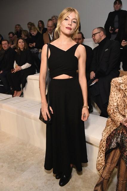 Sienna Miller alla sfilata Calvin Klein Collection, New York