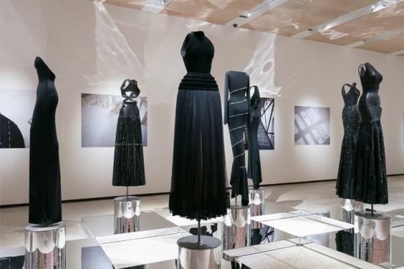 1525941260_Black-Dresses-590x393
