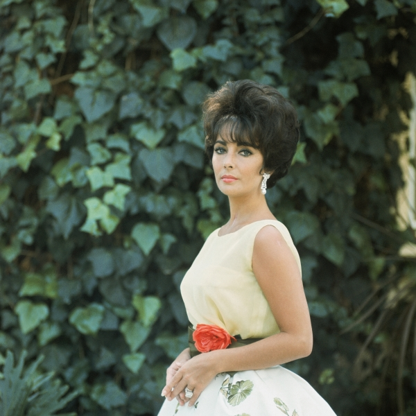 Elizabeth Taylor wearing 'Soiree a Rio' dress (Spring-Summer Haute Couture Collection)1961© 2013 Mark Shaw