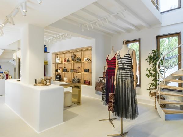 Christian Dior Boutique - Kristen Pelou ©KristenPelou