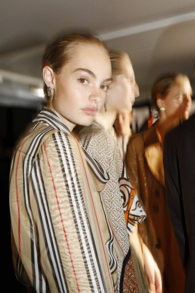 Backstage at the Burberry Spring_Summer 2019 Show_010