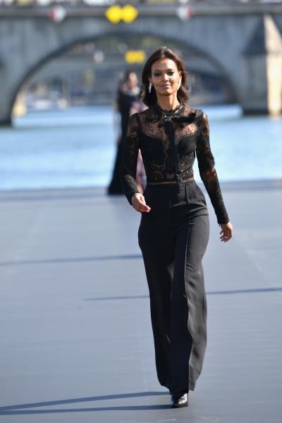Liya Kebede al L'Oreal Defilè, Paris Fashion Week