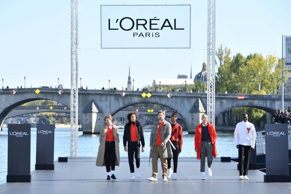 Louise Bourgoin, Nikolaj Coster Waldau, Max Fieschi, Emmanuel Yebe, Xu Mee, Alpha Dia al L'Oreal Defilè, Paris Fashion Week