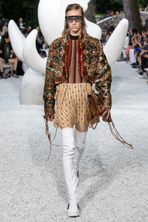 LV Resort 2019 16