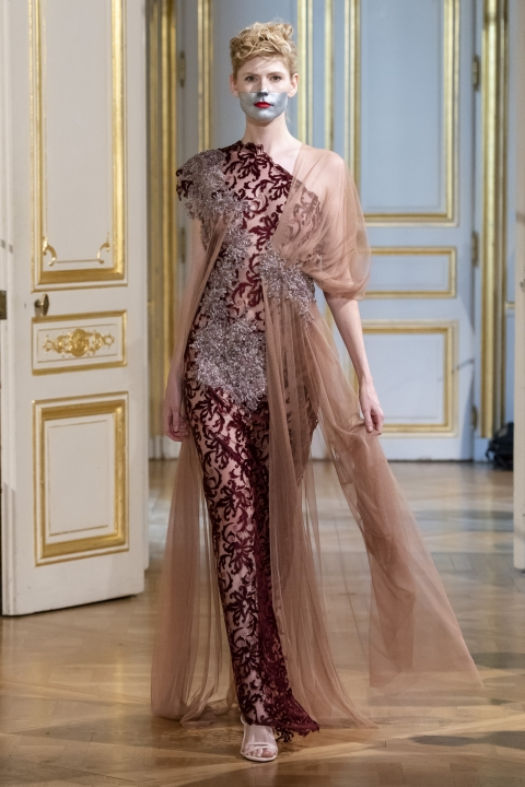 Photos-défilé-_-fashion-show-Patuna-Couture-_Carré-dAs_-Collection-automne-hiver-_-fall-winter-2018-2019-PFW-©-Imaxtree-4