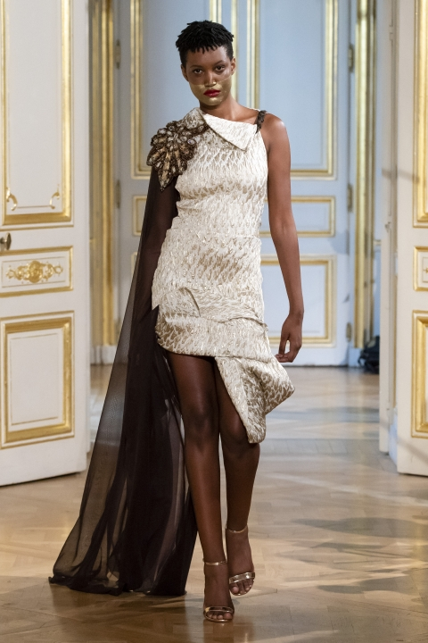 Photos-défilé-_-fashion-show-Patuna-Couture-_Carré-dAs_-Collection-automne-hiver-_-fall-winter-2018-2019-PFW-©-Imaxtree-9