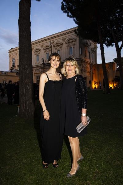 FOTO 6. Paola Cortellesi e Raffaella Banchero_1