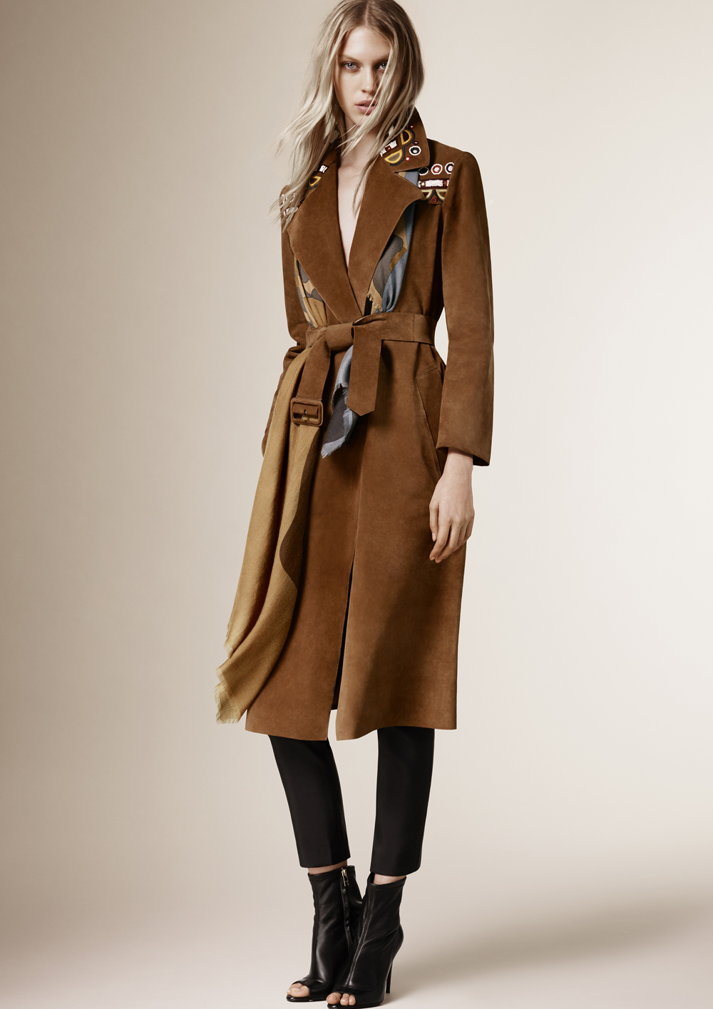 Burberry_Prorsum_Womenswear_Autumn_Winter_2015_Pre-Collection_01