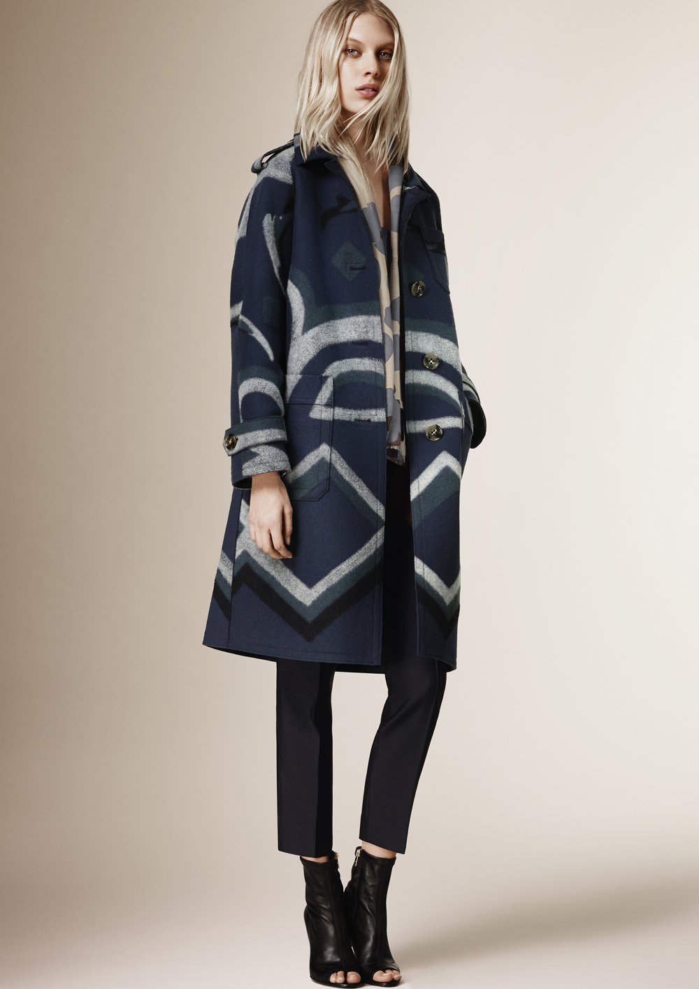 Burberry_Prorsum_Womenswear_Autumn_Winter_2015_Pre-Collection_16