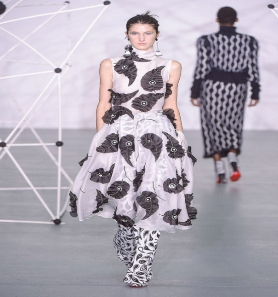 Holly Fulton, Fall Winter 2016 Collection in London