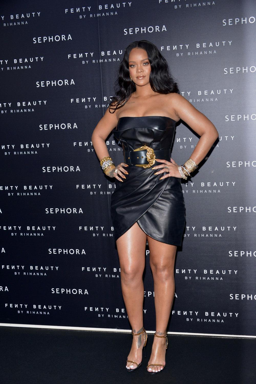 Rihanna-Sephora-Fenty-Beauty-Launch-Event-Red-Carpet-Fashion-Versace-Tom-Lorenzo-Site-1