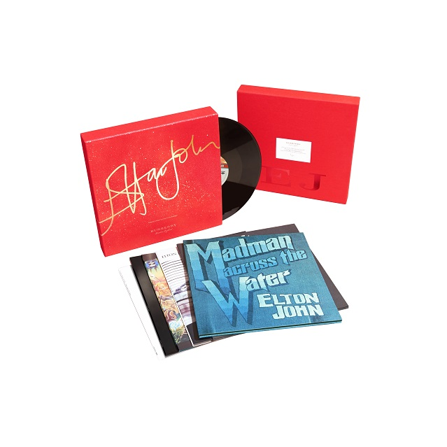Christmas Limited Edition – Burberry celebra Elton John