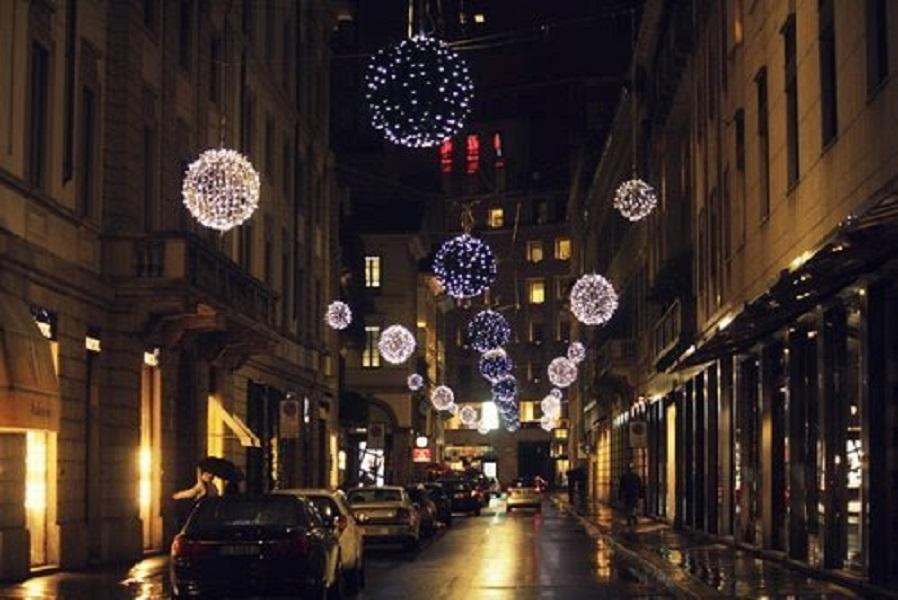 "In via Montenapoleone arriva la ""Christmas Shopping Experience"""