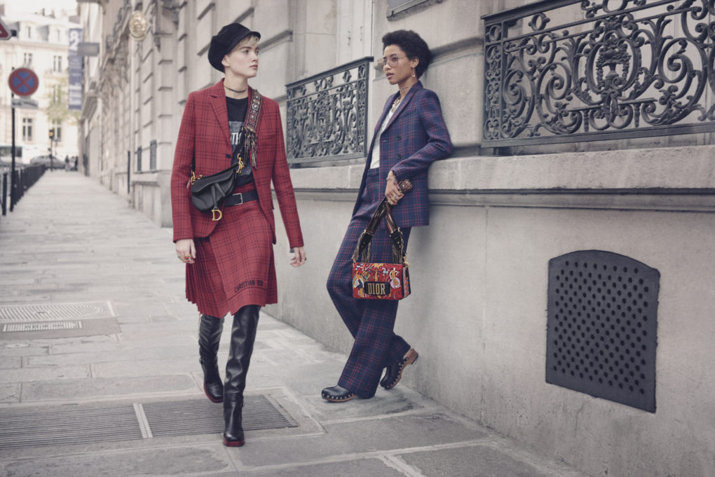 Maria Grazia Chiuri reinventa la Saddle Bag