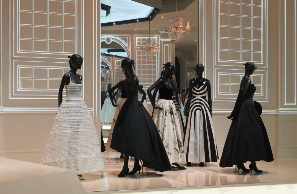 Londra celebra Dior, Designer of Dreams