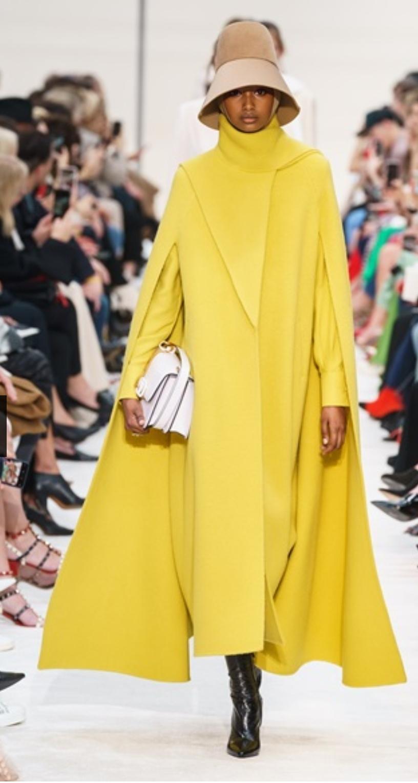 La Paris Fashion Week prosegue tra rigore ed eleganza